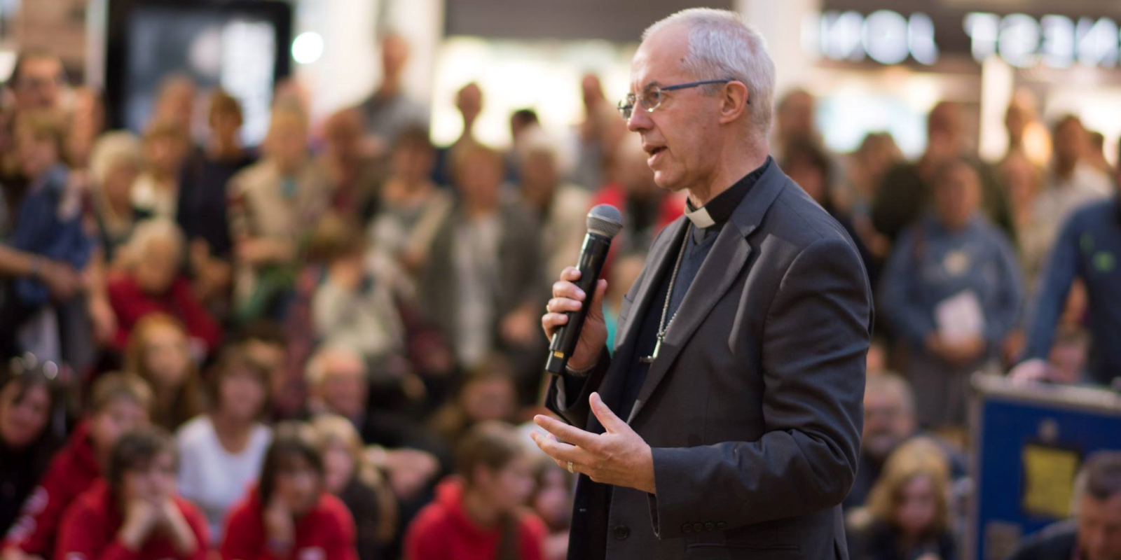 Justin Welby speaking to crowds at the Merry Hill shopping centre in Dudley